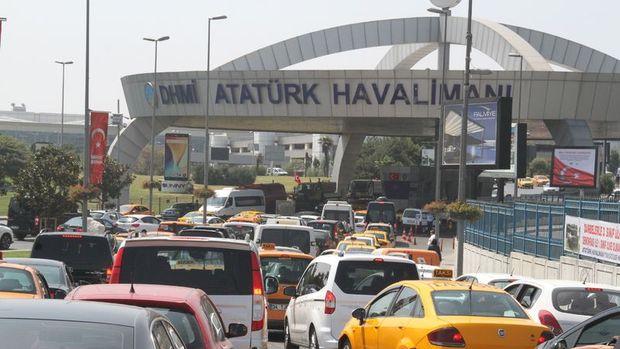 Atatürk Havalimanı'na araç kontrol cebi yapılıyor