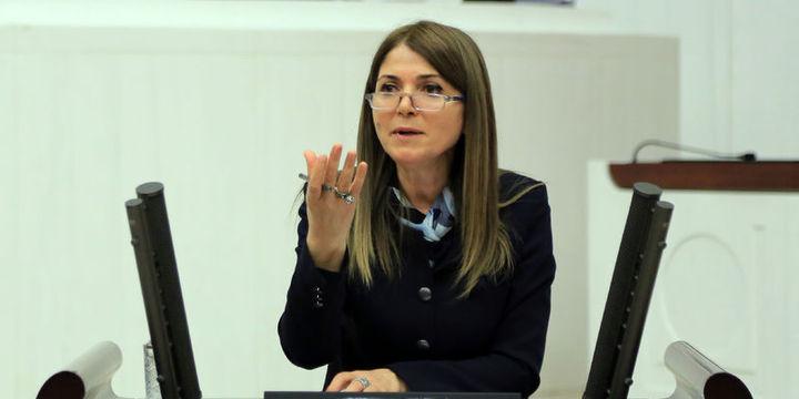 MHP Genel Başkan Yardımcısı Zuhal Topçu istifa etti