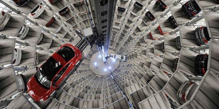 Otomobil ve hafif ticari araç satışları % 30 düştü