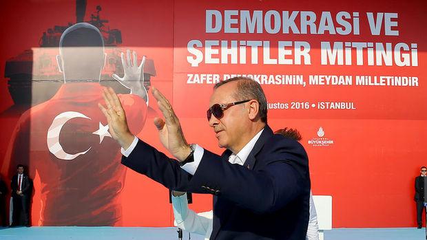 Erdoğan: FETÖ ihanet çetesinin TSK'da önünü açan davaları yeni baştan incelemeliyiz