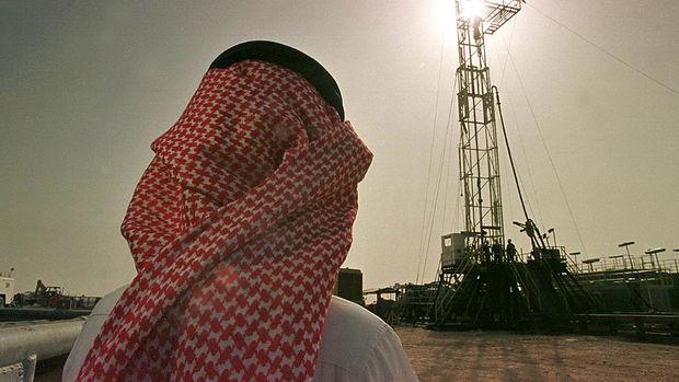 S. Arabistan'ın petrol üretiminin rekor seviyeye ulaştığı kaydedildi
