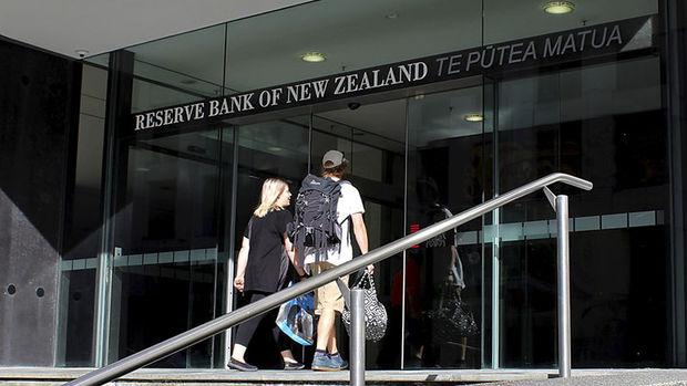 Yeni Zelanda MB faizleri rekor düşük seviyeye indirdi