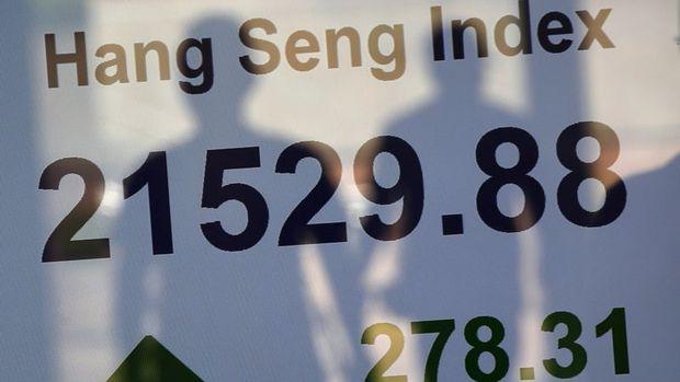 """Hong Kong hisseleri """"kar açıklamaları"""" ile kazançlarını genişletti"""