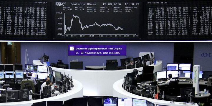 Avrupa hisseleri hafif değişti, DAX yıllık kaybını silmeye yakın