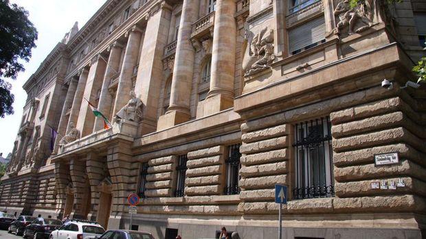 Macaristan Merkez Bankası faizi %0.90'da tuttu