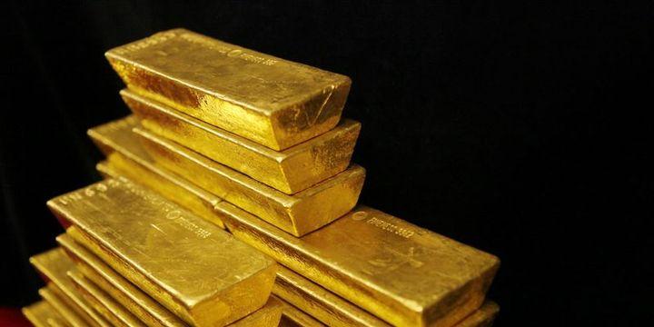 """Altın azalan """"faiz"""" beklentileriyle kazançlarını korudu"""