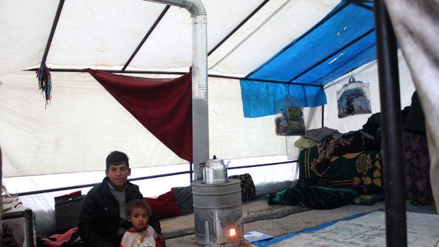 AB Türkiye'deki mültecilere nakit para kartı verecek