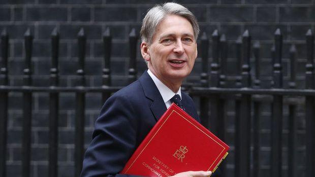 İngiltere/Hammond: Ekonomiyi destekleyecek araçlara sahibiz
