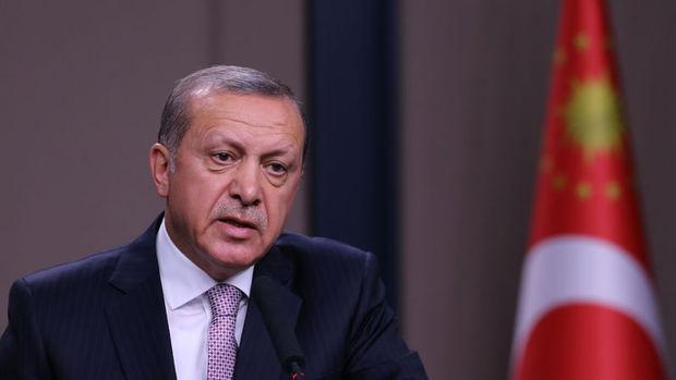 Erdoğan: Bir meczubun, şarlatanın arkasına takıldılar