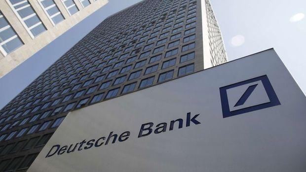 Deutsche Bank hisseleri tarihi düşük seviyede