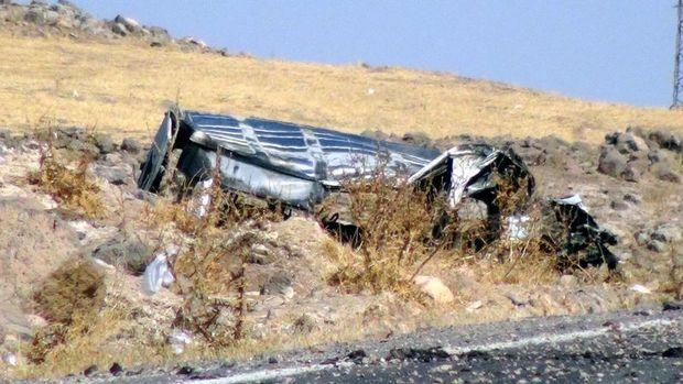 Derik'te askeri araca bombalı saldırı:4 asker şehit
