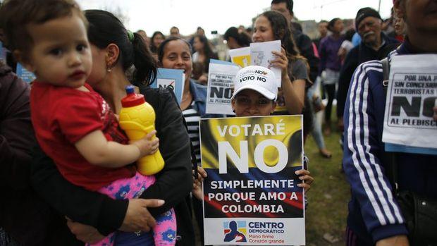 Kolombiyalılar tarihi referandumda