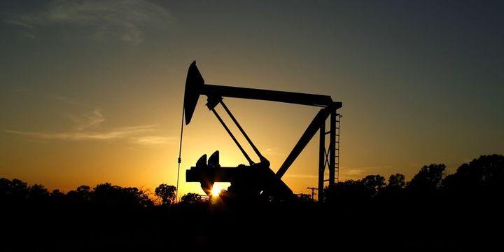 """Petrol """"stok"""" verisi ile birlikte 50 dolar civarında tutundu"""