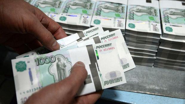 Rusya'da bütçe açığı 904 milyar rubleye yükseldi