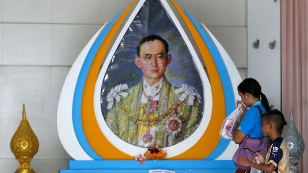 Tayland Borsası 'Kral endişesiyle' %6'dan fazla düştü