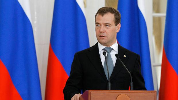 Medvedev: Rusya'da enflasyon 25 yılın en düşüğünde
