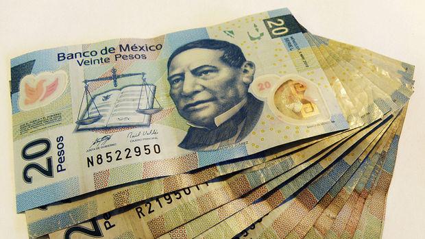 """Peso """"münazara"""" ardından kaydettiği kazançlarını geri verdi"""