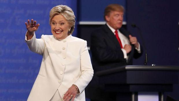 Clinton son anketlerde Trump'ın hafif önünde