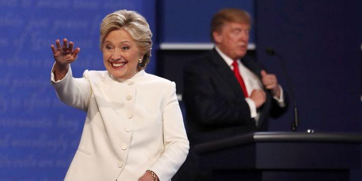 Clinton son anketlerde Trump