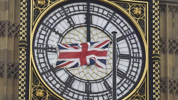 İngiltere bütçesinde 100 milyar sterlinlik açık beklentisi