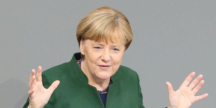 Merkel: Tüm anlaşmazlıklara rağmen Türkiye ile diyalog korunmalı
