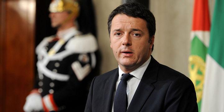 İtalya'da Başbakan Renzi'nin istifası ertelendi