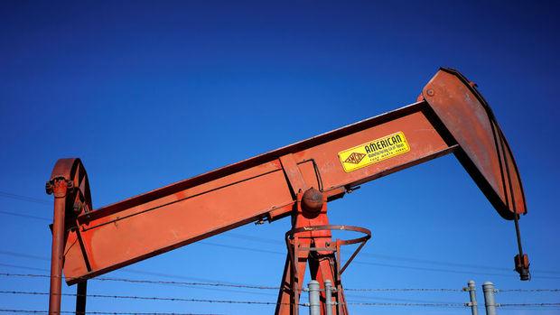 Küresel petrol arzı Kasım'da arttı