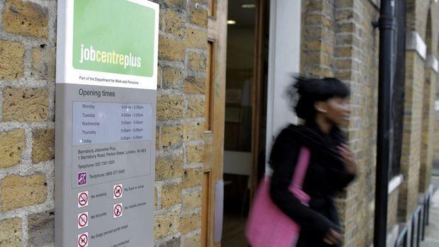 İngiltere'de işsizlik % 4.8'te kaldı