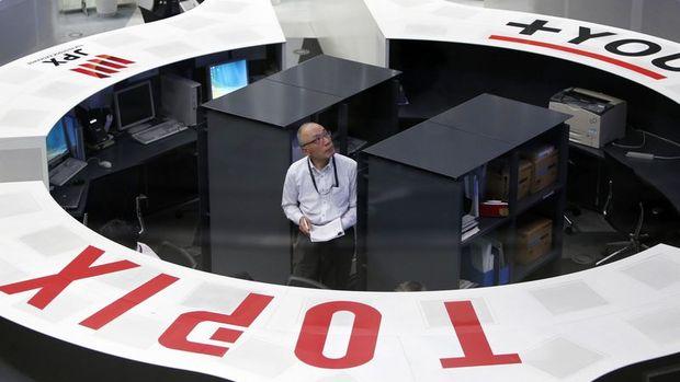 Japonya hisseleri düşük hacimli işlemlerle hafif değer kaybetti
