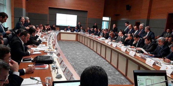 Anayasa değişiklik teklifinin 10 maddesi kabul edildi
