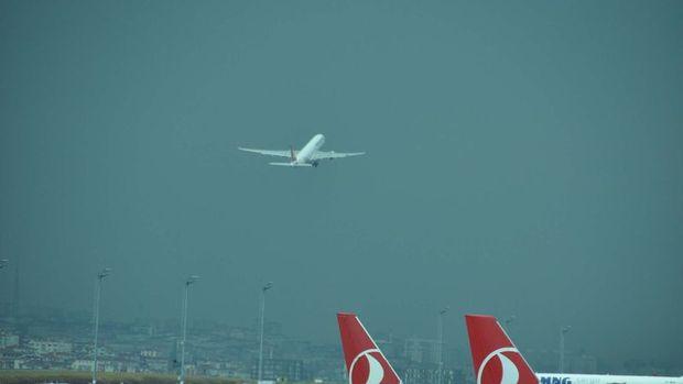 Şiddetli rüzgar İstanbul'da hava trafiğini yüzde 15 azalttı