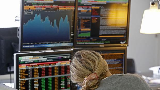 Küresel piyasalar: Hisseler ve dolar yükselirken petrol geriledi