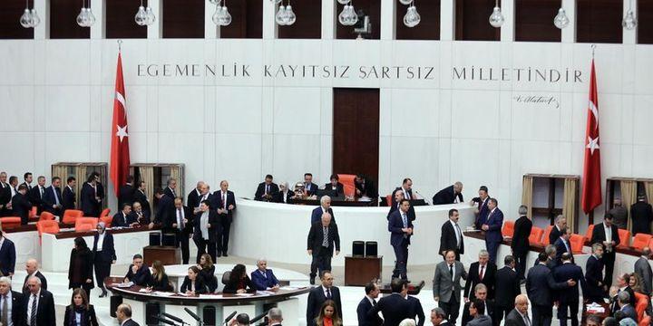 Anayasa değişikliği teklifinin 7. maddesi kabul edildi