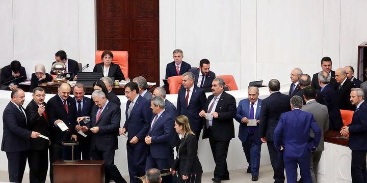Anayasa değişikliği teklifinde 11. madde kabul edildi