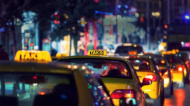 Taksilerde indi-bindi ücreti ile en kısa mesafe 8 lira 75 kuruş olacak