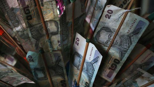 Gelişen ülke borsaları düşerken kurlar yükseldi