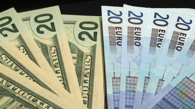 """Dolar Trump'ın danışmanının """"euro"""" yorumu ardından sert düştü"""
