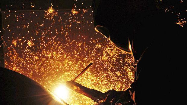 Türkiye imalat PMI Ocak'ta 48.7'ye yükseldi