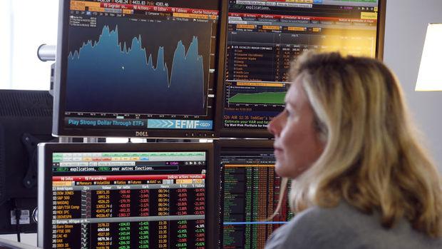 Küresel Piyasalar: Hisseler petroldeki yükselişle rekor tazelerken dolar zayıflıyor