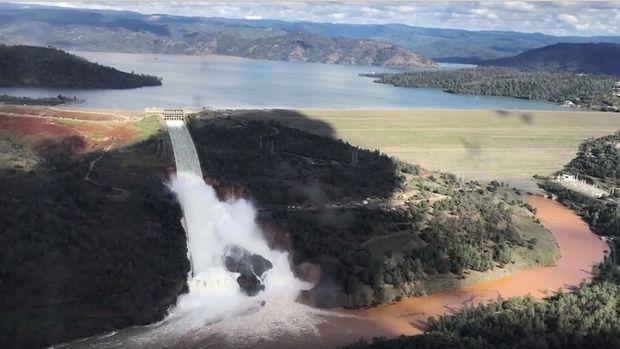 Kaliforniya'da baraj nedeniyle binlerce kişi tahliye edildi