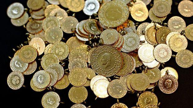 Cumhuriyet altınının satış fiyatı 977 lira oldu