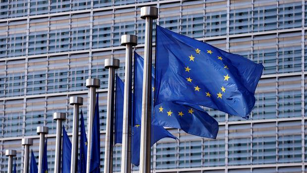 AB Euro Bölgesi büyüme ve enflasyon tahminlerini artırdı