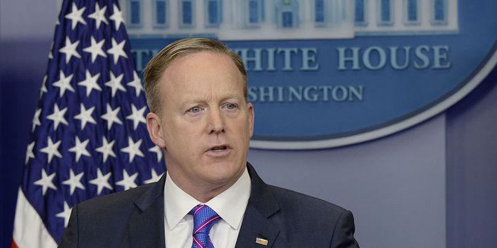 Beyaz Saray Sözcüsü Spicer: Flynn