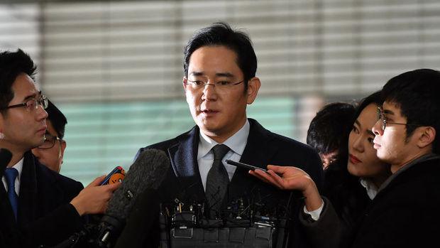 Güney Kore'de Samsung'un veliahtı tutuklandı