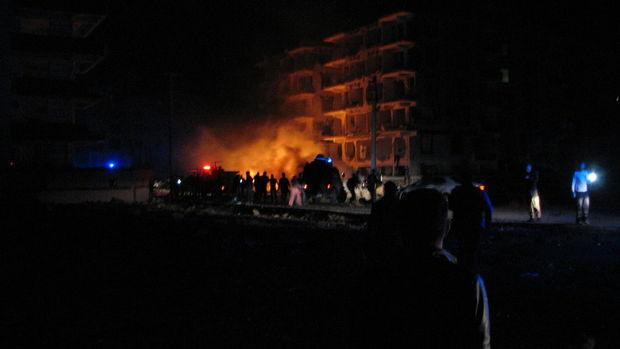 Şanlıurfa'da bombalı araçla saldırı: 1'i çocuk 2 şehit, 18 yaralı