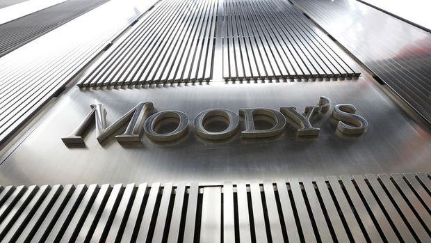 """Moody's Rusya'nın görünümünü """"durağan""""a çevirdi"""