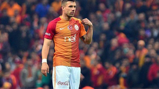 Galatasaray Podolski'yi sattı