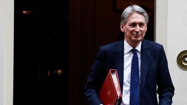 İngiltere Maliye Bakanı'ndan ihtiyatlı bütçe işareti