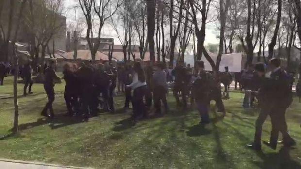 Bilgi Üniversitesi'nde Kadınlar Günü standına saldırı