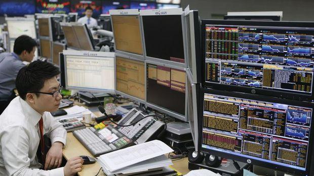 Küresel Piyasalar: Dolar yükselirken Hazine tahvilleri ve altın sert düştü